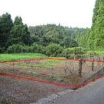 赤い枠が土地のおおよその範囲です。